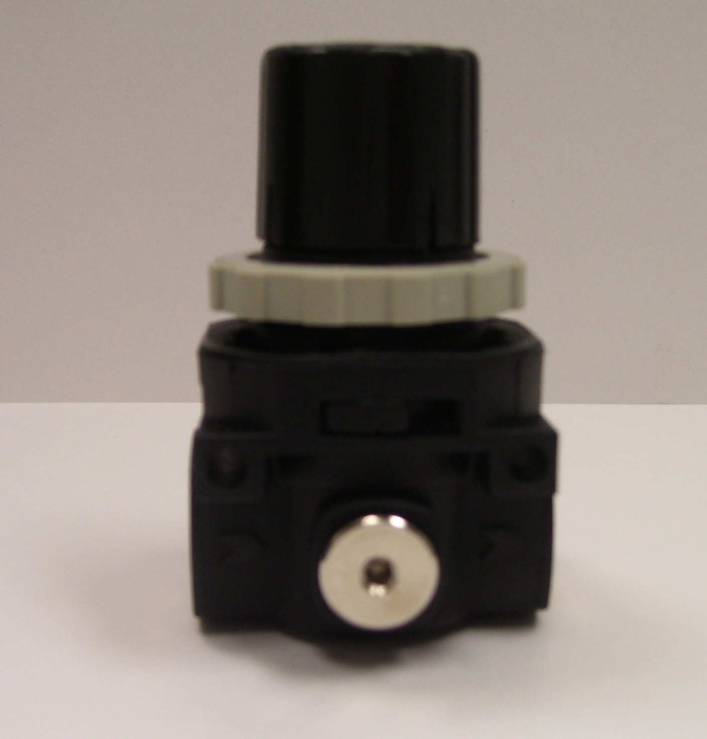 PRESSURE REGULATOR NZ6-10